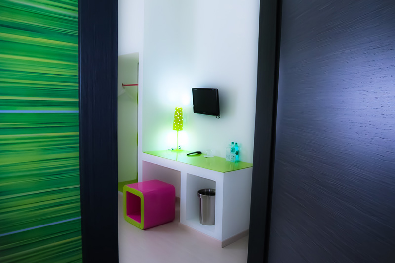 fuksia-and-green-4-camera-room-hotel-antico-pastificio-sarubbi-stigliano