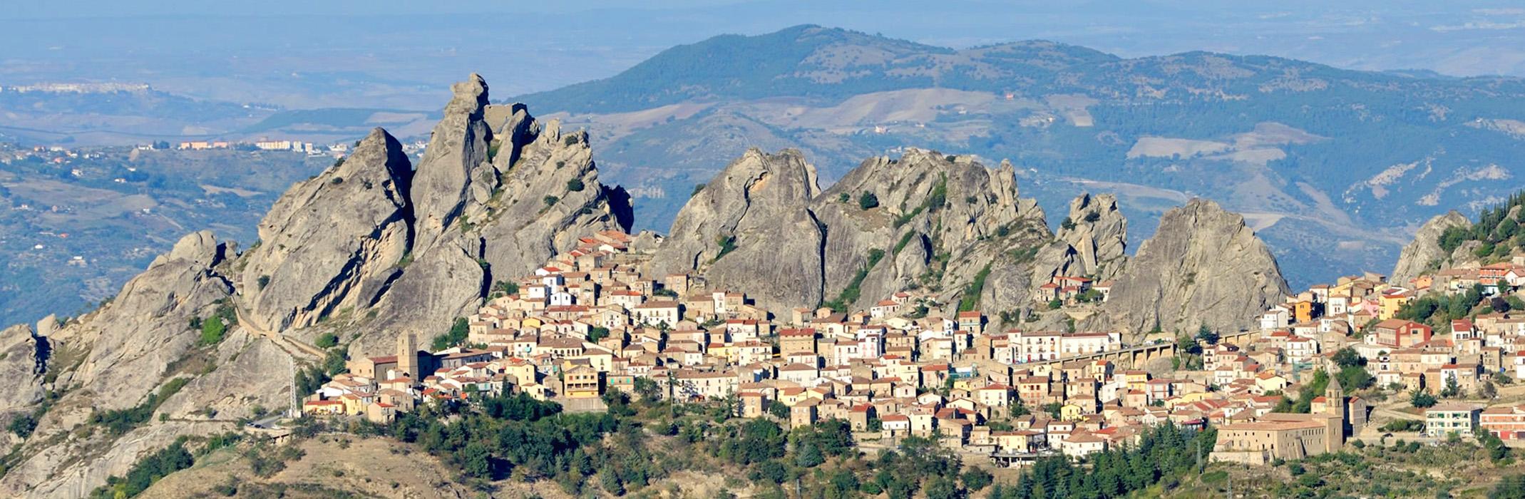 Pietrapertosa-Basilicata-Antico-Pastificio-Sarubbi-Hotel-Stigliano-Matera